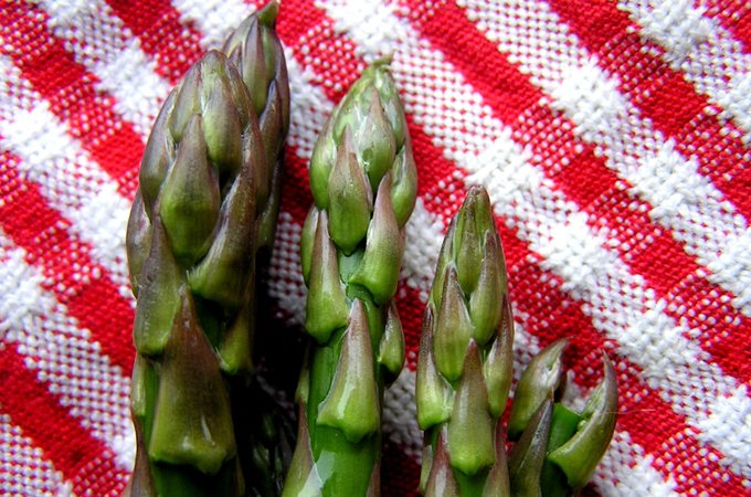 Choose asparagus with tightly closed tips